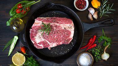 Die Steak-Pfanne: So brätst du dein Steak richtig