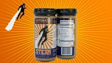 Nur zwei Esslöffel von STEEM Caffeinated Peanut Butter enthalten mehr Koffein als eine Tasse Kaffee - Foto: iStock/Oliver Malms; steempb.com; Montage: Männersache