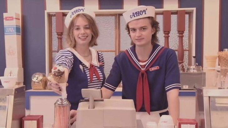 """Joe Keery (rechts) und Maya Hawke in """"Stranger Things"""""""