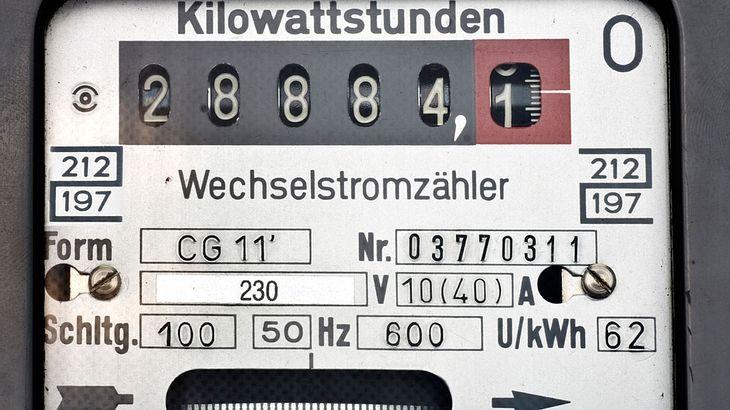 Ab 2019 droht der Strompreisschock - nur zwei Anbieter erhöhen nicht