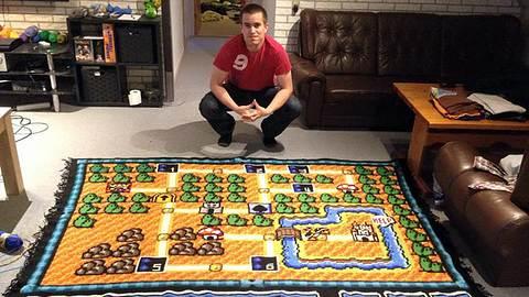 6 Jahre Arbeit: Mann häkelt Teppich mit Super-Mario-Map
