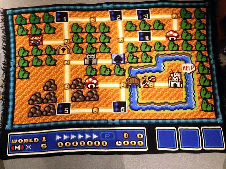 """Kjetil Nordin hat eine Map aus """"Super Mario Bros"""" als Teppich gehäkelt"""