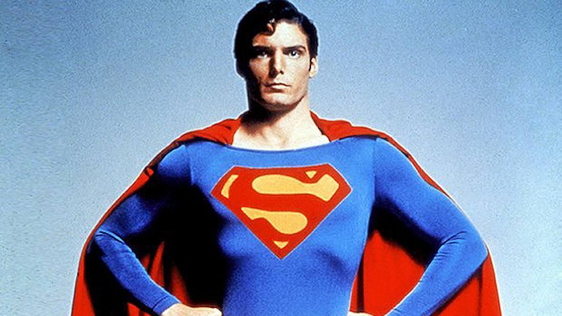 Was bedeutet das S auf Supermans Brust?