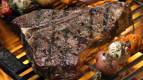 T-Bone-Steak - Foto: iStone / BlueMoonStudioInc