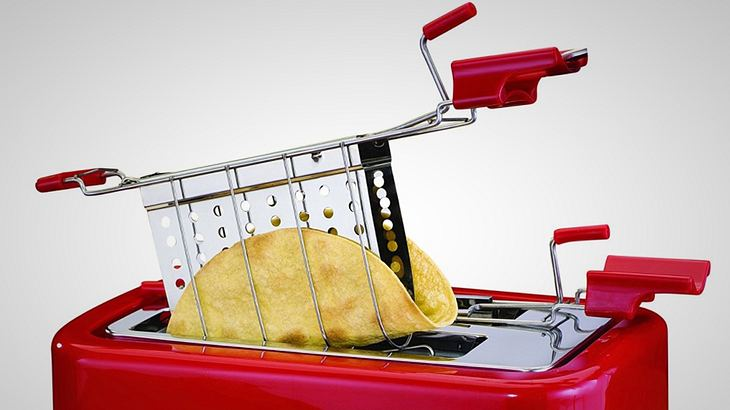 Der Taco-Toaster von Nostalgia Electrics verwandelt Tortillas in knusprige Wraps