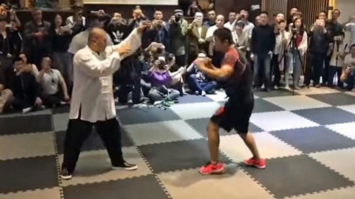 Tai-Chi-Meister Wei Lei kämpft gegen MMA-Fighter Xu Diaodong