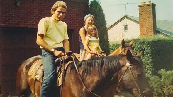 Ted Bundy, Elizabeth Kendall und ihre Tochter Molly - Foto: Amazon Prime