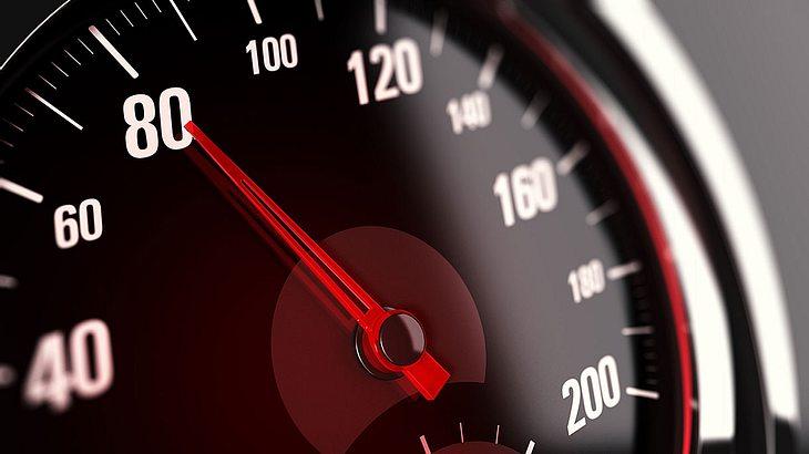 Die EU will Tempo-Bremse einführen (Symbolfoto).