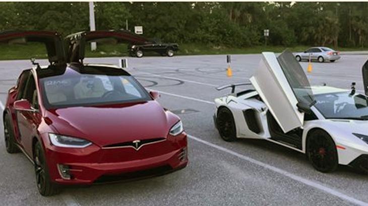 Drag Race: Tesla Model x vs. Lamborghini Aventador
