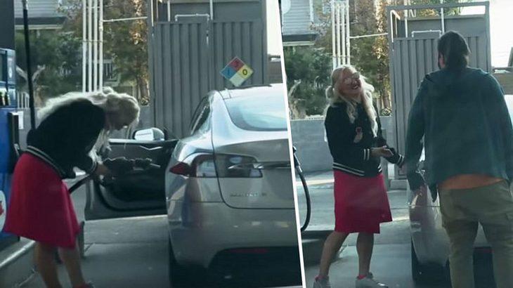 Frau versucht, einen Tesla mit Benzin aufzutanken