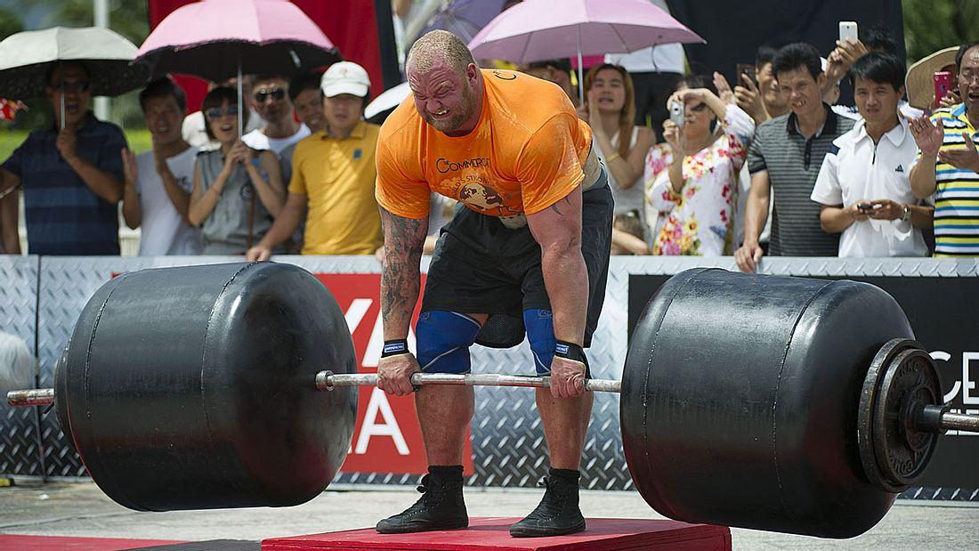 Hafþór Júlíus The Mountain Björnsson ist Weltrekordhalter im Gewichtheben.