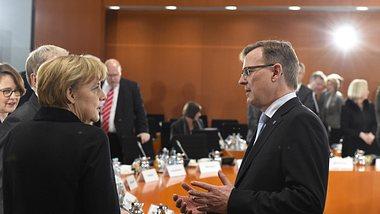 Angela Merkel, Bodo Ramelow - Foto: Getty Images/ TOBIAS SCHWARZ