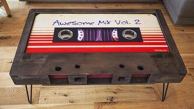 Retro-Design: Diese Couchtische sind analoge XXL-Kassetten
