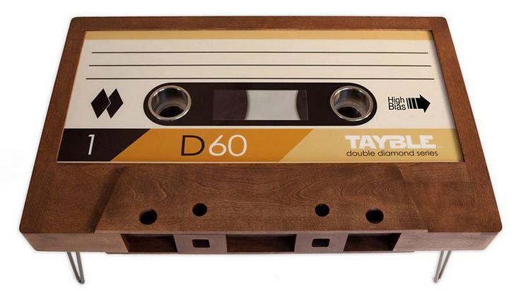 Die Couchtische von TAYBLES sind XXL-Retro-Kassetten