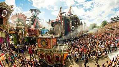 Das Gelände erinnert ein bisschen an ein Fantasy-Park - Foto: Tomorrowland / Facebook