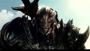 Transformers - The Last Knight: Trailer zeigt Roboter vs. Nazis