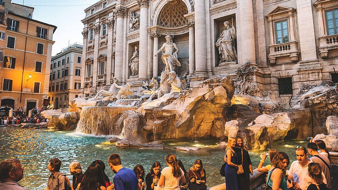 Der Trevi-Brunnen in Rom.