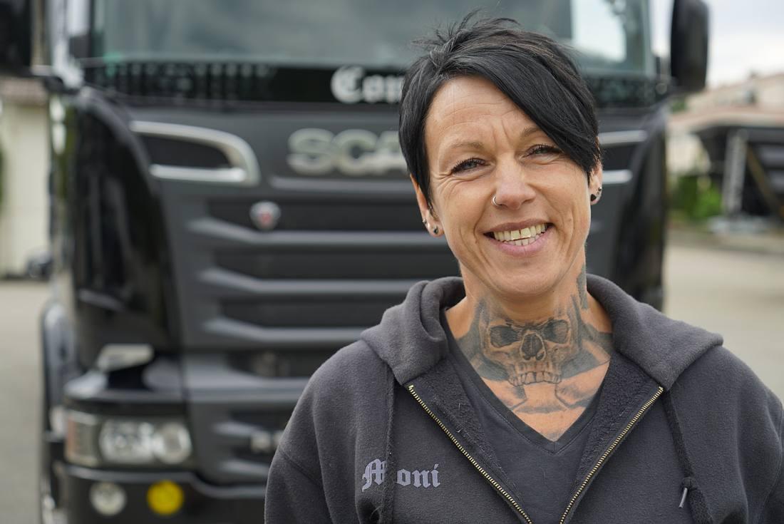 Trucker Lady Moni