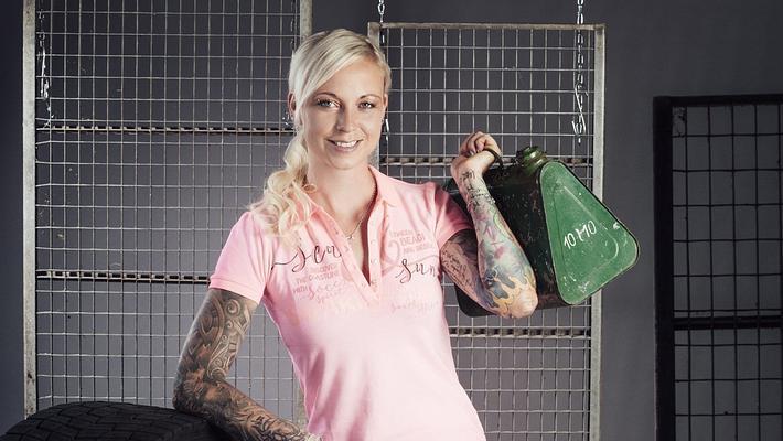 Trucker Babes: Sexy Anne im Porträt