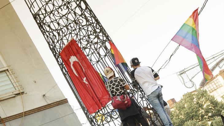 Ab sofort: Türkei verbietet alle Auftritte von Schwulen und Lesben