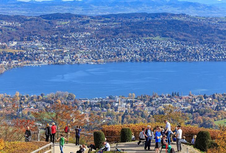 Aussicht vom Uetliberg auf Zürich.
