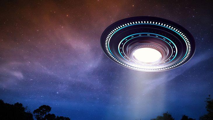 Rot und kreisförmig: US-Amerikanerin filmt UFO
