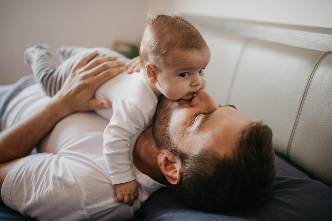 Vater mit seinem Kind