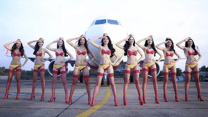 Die Stewardessen von VietJet sahen sehr sexy aus