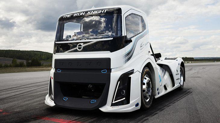 """Volvos """"The Iron Knight"""" gilt als der schnellste LKW der Welt"""