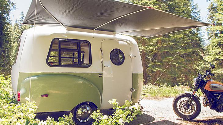 happier camper vw bus inspirierter retro wohnwagen. Black Bedroom Furniture Sets. Home Design Ideas
