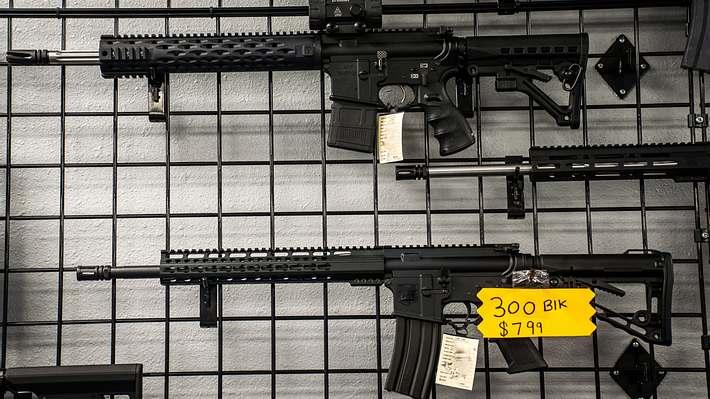 Digitale Waffen bringen niemanden um - aber sie bringen Geld - Foto: iStock / RoschetzkylstockPhoto