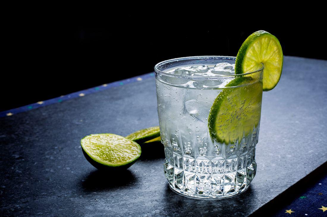 Glas mit Gin