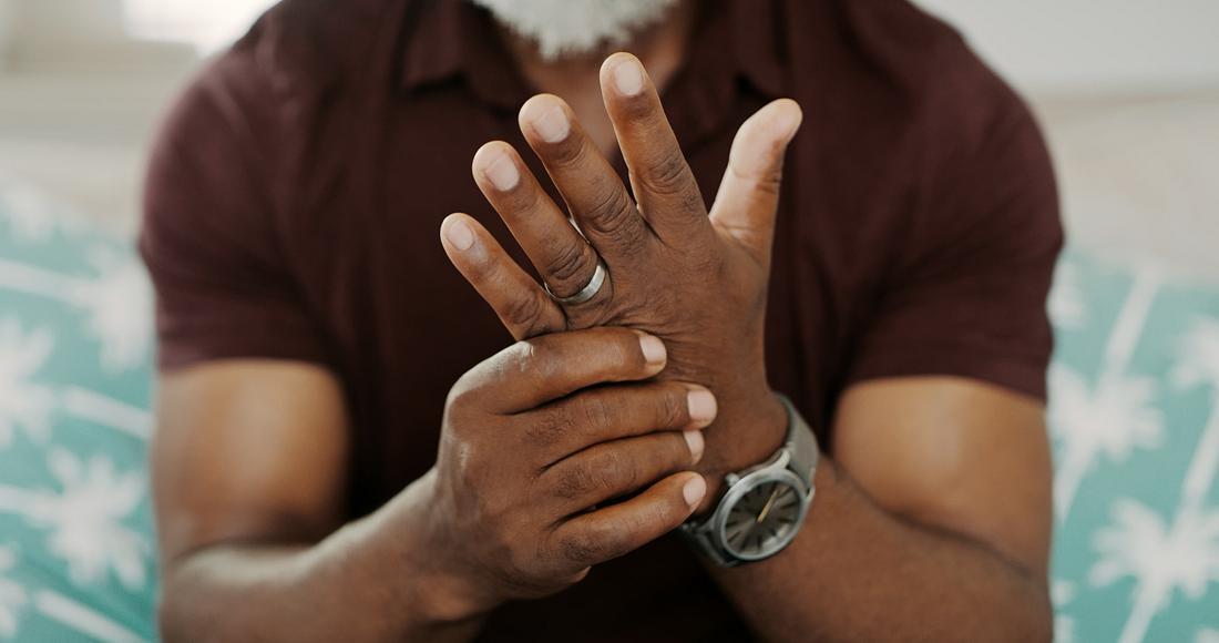 Was tun gegen schwitzige Hände?