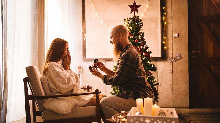 Beste Weihnachtsgeschenke für Frauen: Schmuck!