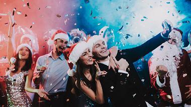 Weihnachtsfeier - Foto: iStock / vadimguzhva