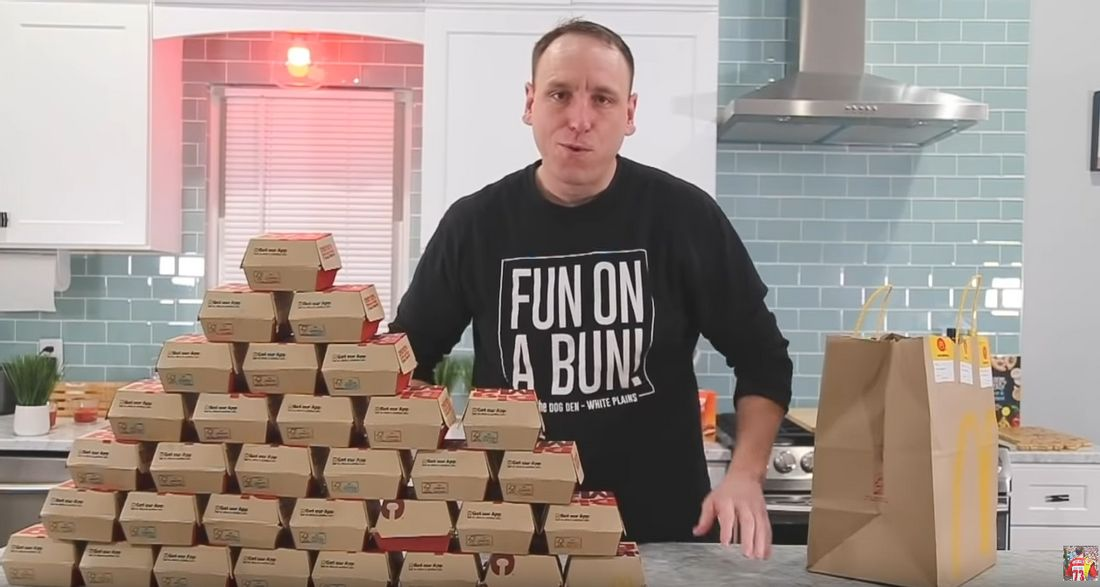 Joey Chesnut und 32 Big Macs