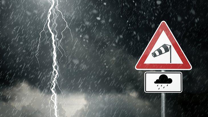 Unwetter-Warnung: Gewitterfront mit 120km/h-Orkanböen erwischt Deutschland