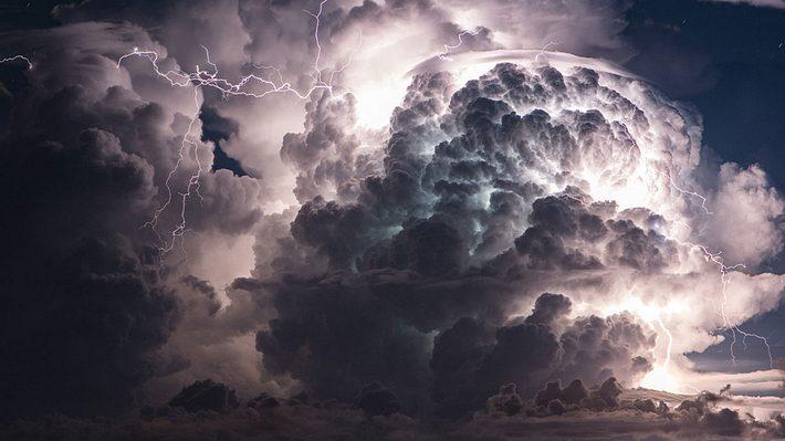 Alarmstufe Rot: Wetterdienst warnt vor Gewalt-Gewitter
