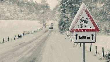 Winter auf deutschen Straßen - Foto: iStock / trendobjects