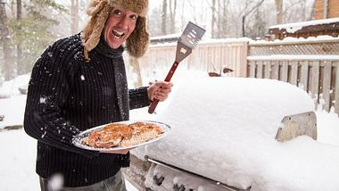 Wintergrillen liegt voll im Trend. - Foto: iStock/goldyrocks