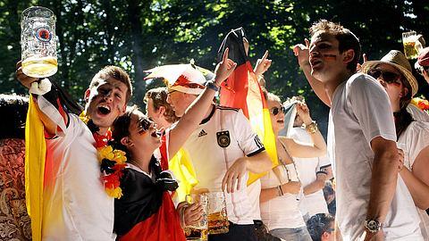 90 Euro für Palette Bier - Fußball-Fans können sich freuen