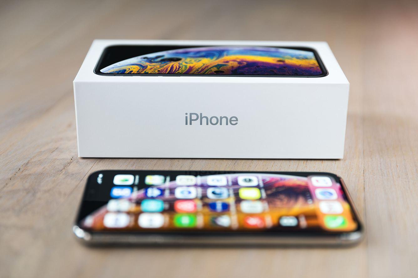 Wofür steht das kleine i in iPhone?