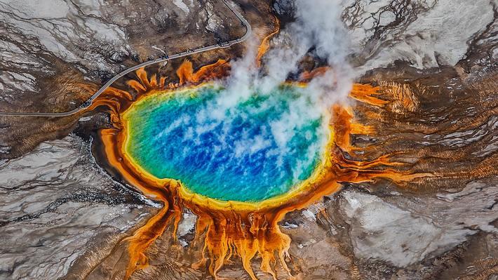 Unter dem Yellowstone Nationalpark ist eine riesige Magmakammer - Foto: iStock / Ajith Kumar