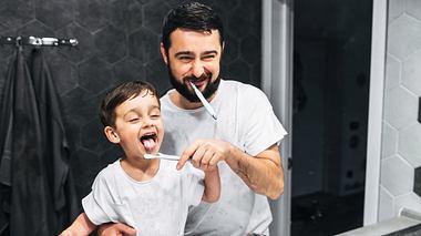 Zahnpflege beim Baby - Foto: iStock / Vadym Pastukh