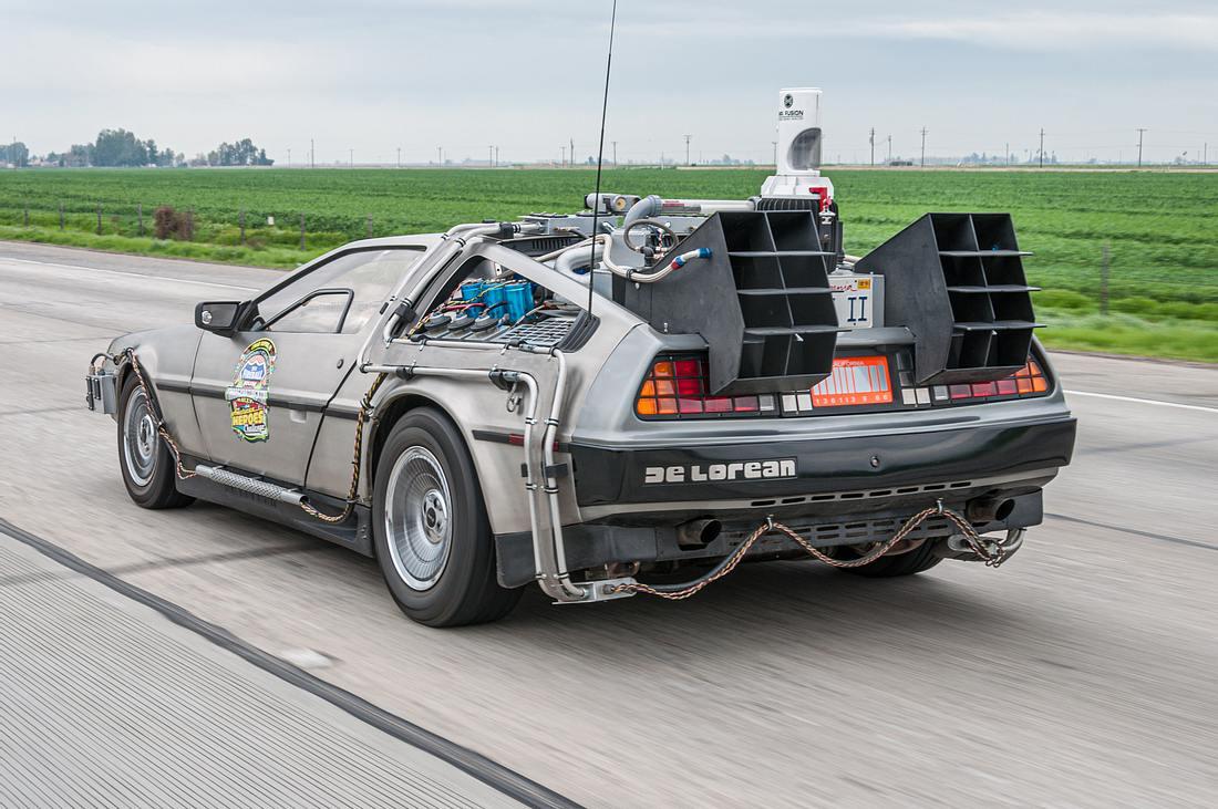 Zeitmaschine DeLorean DMC-12