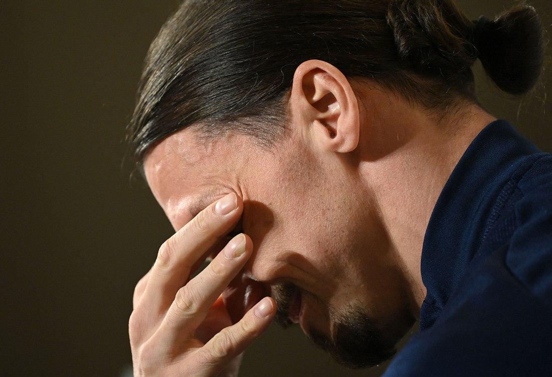 Zlatan Ibrahimovic weint