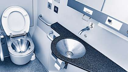 Sex auf der Zug-Toilette ist nicht strafbar